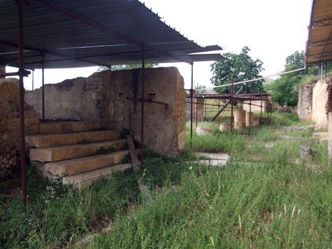 scalinata-portico-1.JPG