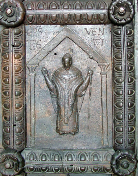 vescovo-trivento-ridotto.jpg