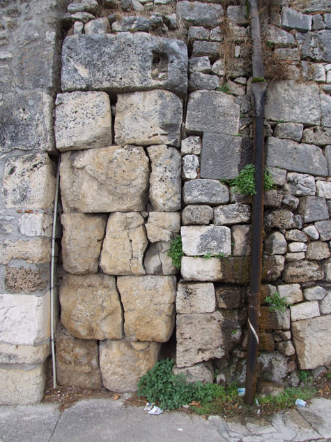 Torri e mura isernia (41)