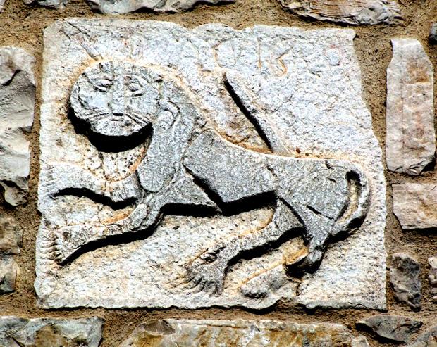 32) Ripabottoni leone